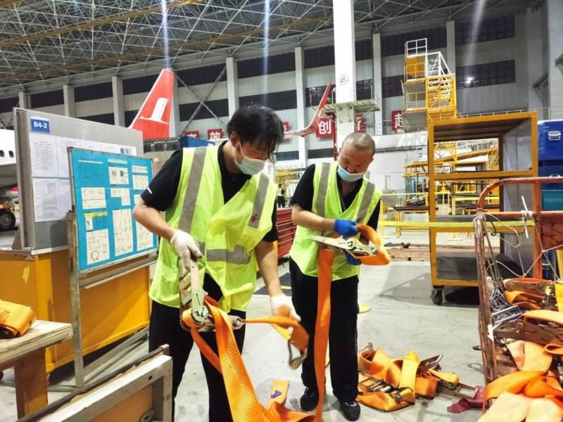 """东航全力迎战台风""""灿都"""" 在上海虹桥、浦东两大机场系留飞机37架  第4张"""